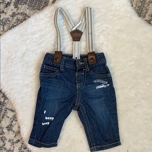 Jeans with removable suspenders